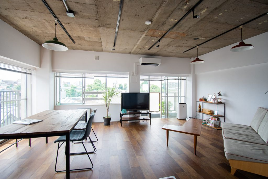 リノベーション,マンション,リビング,天井表し,部分リノベ,東京,関東,QUMA