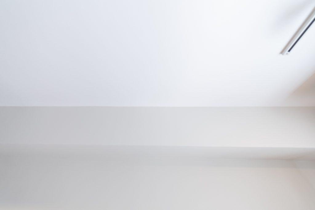 リノベーション,マンション,クロス,白,灰色,部分リノベ,東京,関東,QUMA