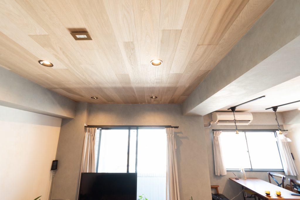 リノベーション,マンション,事例,リビング,木パネル,天井,感想,インタビュー,東京